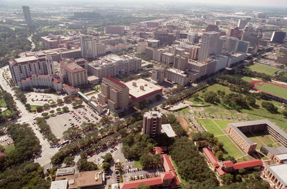 An aerial view of Memorial-Hermann Hospital and the Texas Medical Center in 2002.  Photo by Steve Ueckert / Chronicle Photo: Steve Ueckert, Staff / Houston Chronicle