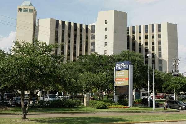 Memorial Hermann Southwest Hospital, 7600 Beechnut St., is shown here on Aug. 6, 2009, in Houston. ( Melissa Phillip / Chronicle )