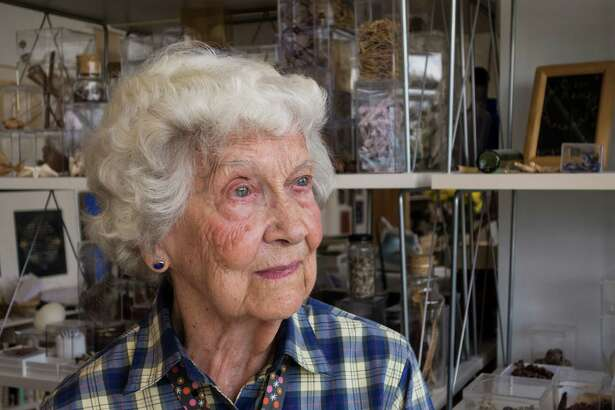 Houston artist Elinor Evans in 2014, when she was 100. She has died at the age of 102.
