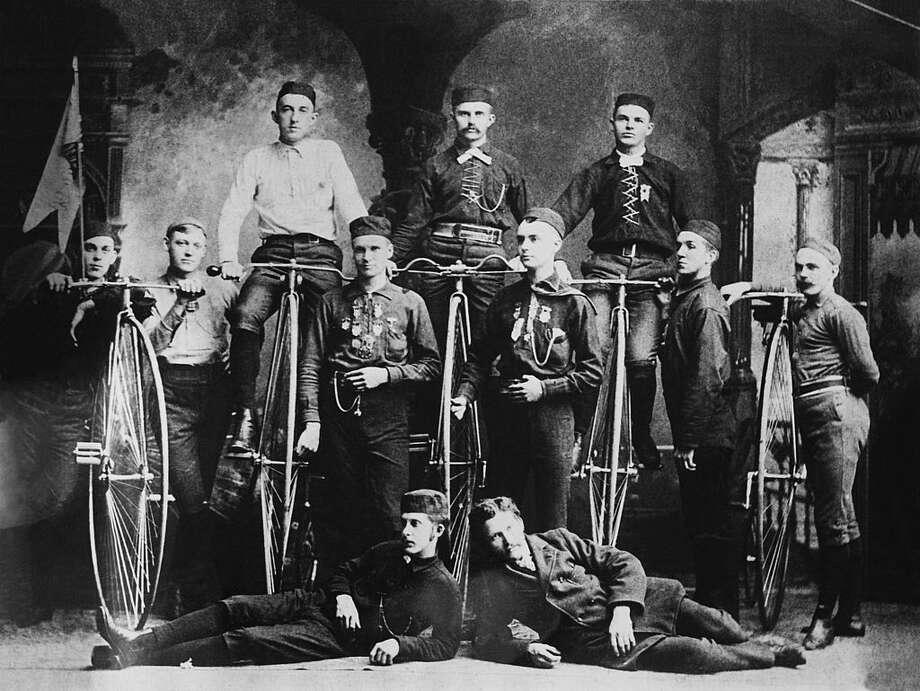 An American bicycle club, circa 1880. Photo: Getty Images, Keystone-France / 1900 Keystone-France