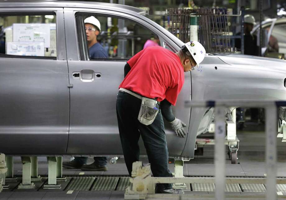 The Fed's production index, which measures the growth of manufacturing activity, rose to 4.5 this month from 0.4 in July. Photo: San Antonio Express-News /File Photo / San Antonio Express-News