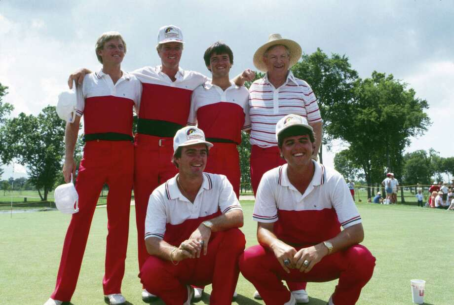 UH golf coach Dave Williams' 1984 national champs included future pros Steve Elkington (back row, second from left) and Billy Ray Brown (front row, right). Photo: King Chou Wong, HP Staff / Houston Post files