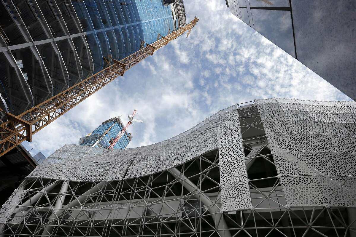 The new metal screen being installed at the new Transbay Terminal in San Francisco , Calif., on Monday, August 29, 2016.