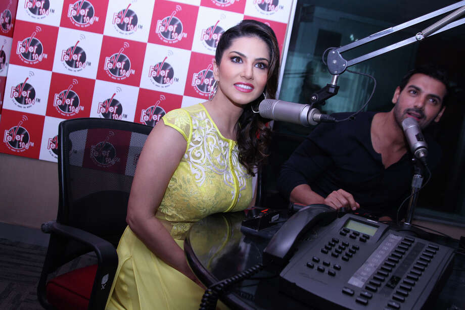 Porn Star Sunny Leone Changing Bollywoods Views On Sex - Houston Chronicle-5728