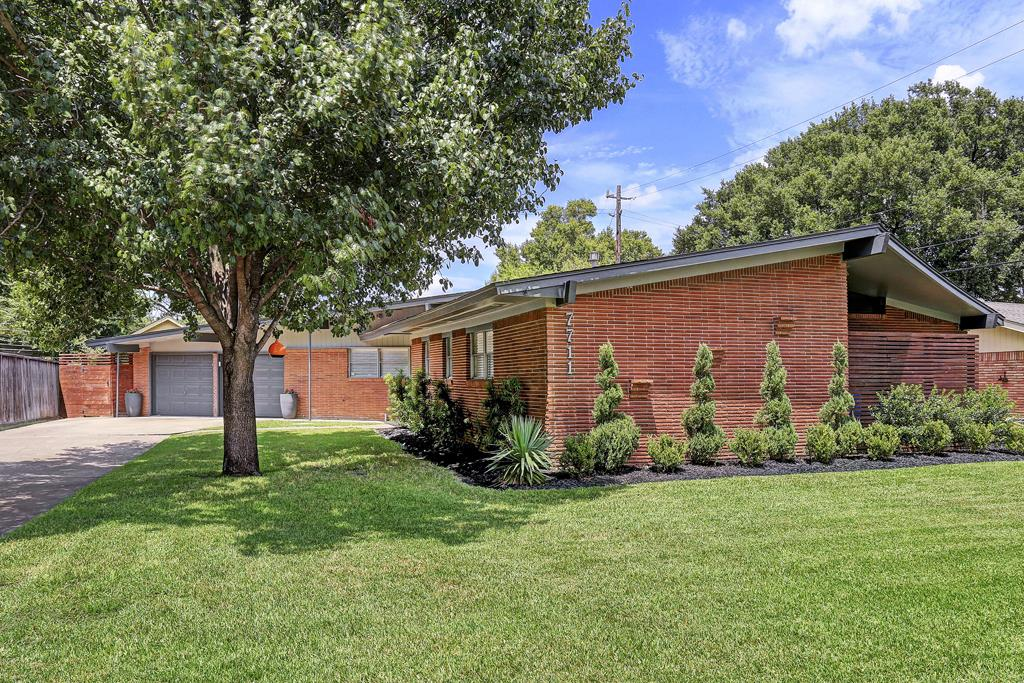 Homes for sale in houston 39 s historic districts houston for Mid century modern homes for sale houston