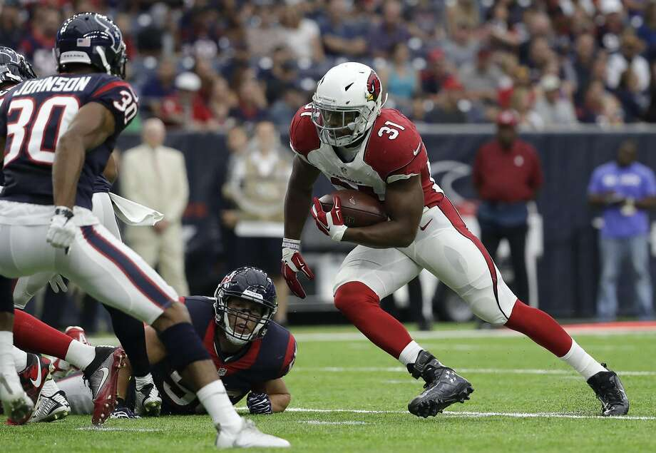 Efrom Cardinals running back David Johnson, who had 1,037 yards from scrimmage in his rookie year. Photo: Jeff Roberson, Associated Press