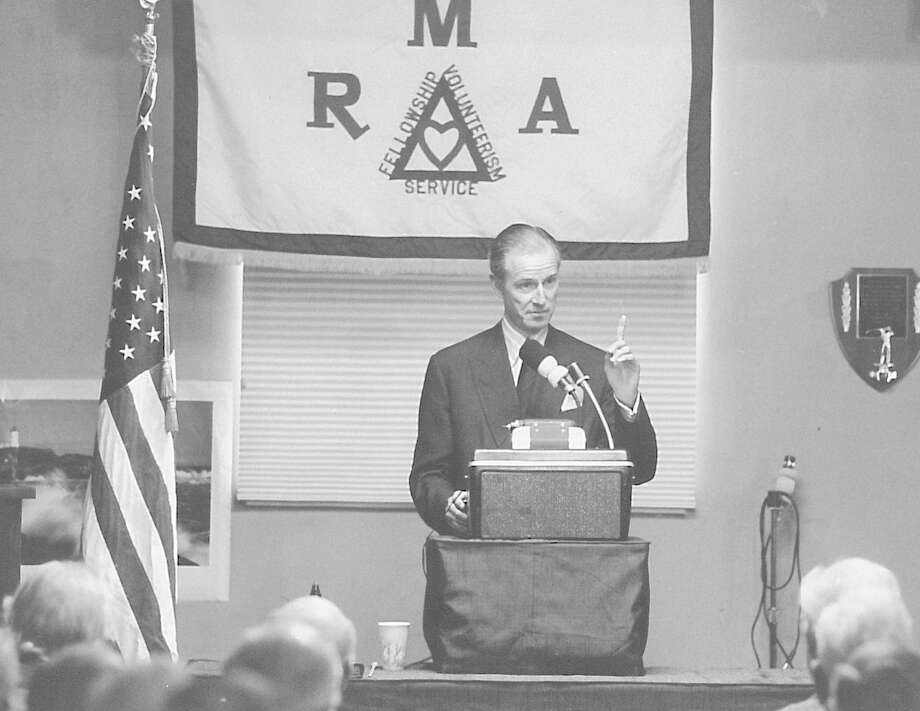 Greenwich resident and then White House Chief of Protocol Joseph Vernor Reed addresses the Retired Men's Association about the dangers and pitfalls of protocol at the White House on Nov. 6, 1991. Photo: Mel Greer