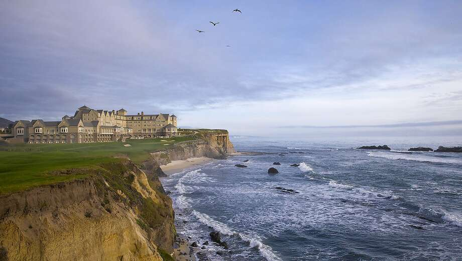 The Ritz-Carlton Half Moon Bay commands stunning views, but its restaurant, which turns out some excellent dishes, doesn't live up to expectations. Photo: Blake Marvin Blake Marvin, Blake Marvin