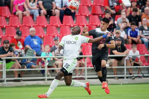 San Antonio FC's Cesar Elizondo (right) fights for the ball during the first half of a United Soccer League match againstSeattle Sounders FC 2 on Aug. 20, 2016, at Toyota Field in San Antonio.