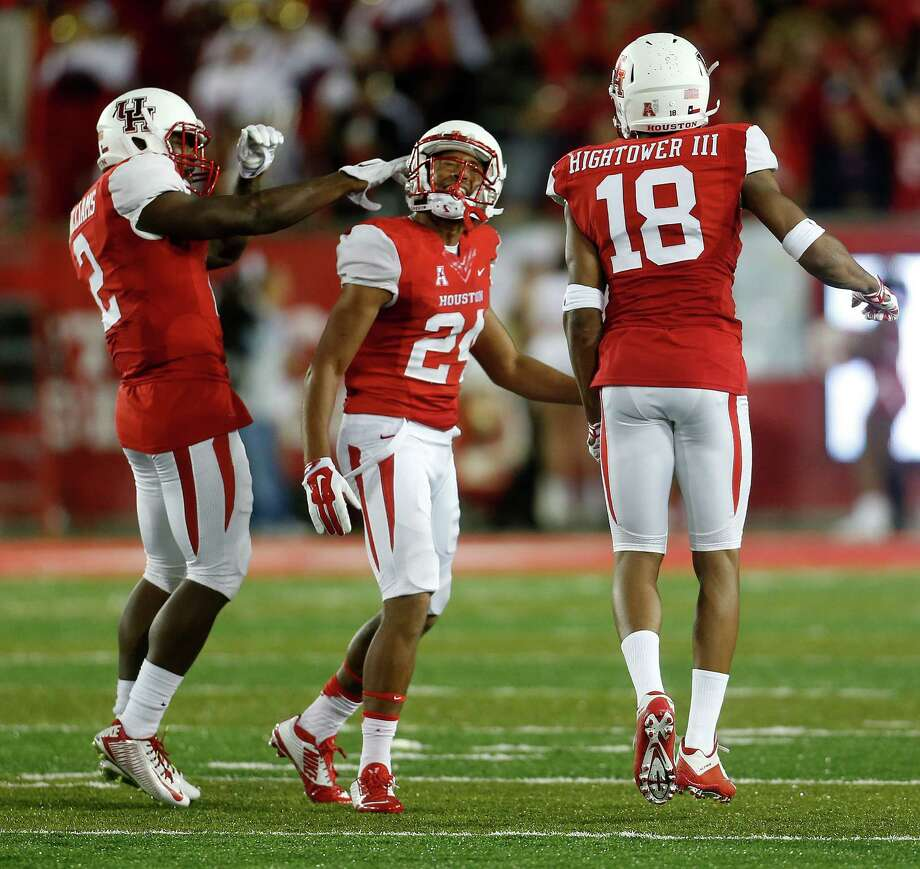 Khalil Williams, left, and Jeremy Winchester provide what amounts to experience in a UH secondary that has combined for nine career starts. Photo: Karen Warren, Staff / © 2015 Houston Chronicle