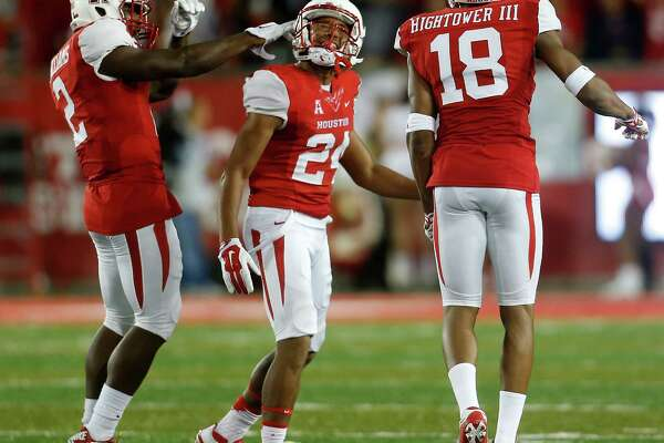 Khalil Williams, left, and Jeremy Winchester provide what amounts to experience in a UH secondary that has combined for nine career starts.