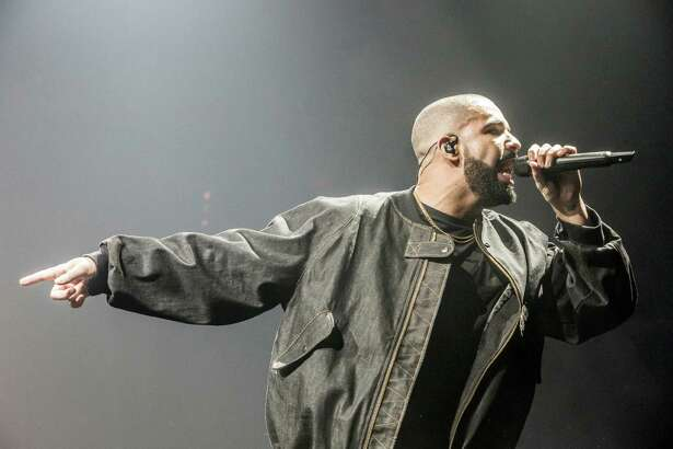 Drake performs at the Verizon Center in Washington, D.C. MUST CREDIT: Photo for The Washington Post by April Greer