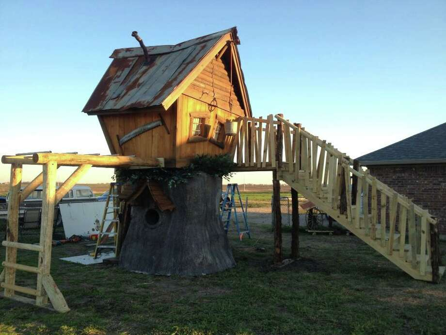Tiny Town Studios is aHoustonsculpture company that creates playhouses, treehouses and themed environments. Photo: Tinytownstudios.com