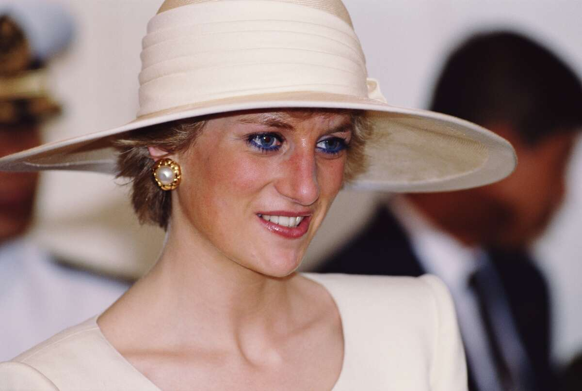 JUNE 2017:NOT REAL: Retired MI5 agent confesses on deathbed: 'I killed Princess Diana' THE FACTS: A piece on a site called the Anti News Network renews a take on conspiracy theories blaming British agencies or the royal family for the princess' August 1997 death in Paris. A coroner's jury ruled in 2008 that Diana and boyfriend Dodi Al-Fayed were killed by the reckless actions of their driver and paparazzi. Investigators testified that no British government agency was involved in her death. MI5, Britain's domestic security agency, has a policy of not identifying current or past employees. The ANN story cites as its source the website yournewswire.com, which says it makes no representations about the accuracy of the information it posts.