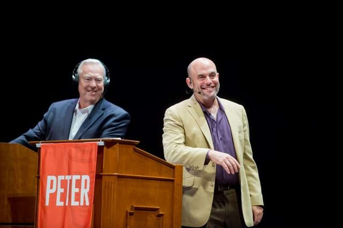Bill Kurtis and Peter Sagal of