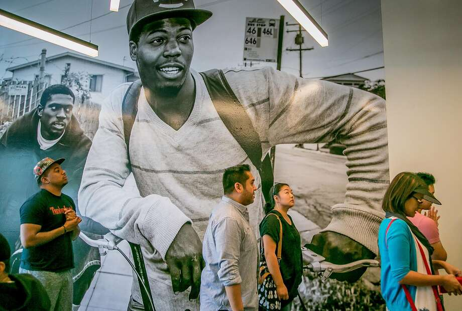 People line up to order food at Locol in Oakland. Photo: John Storey, Special To The Chronicle