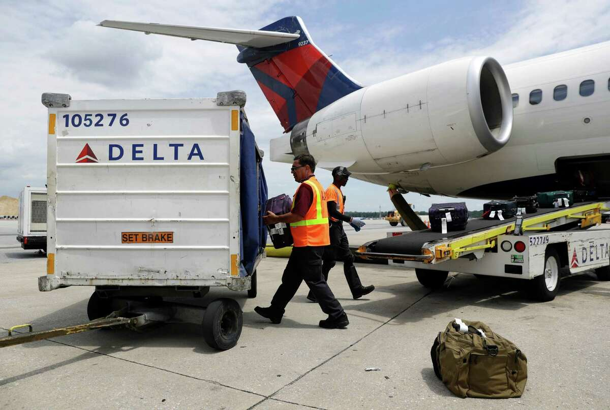 Total baggage reports: 16,815Enplaned passengers: 11,684,561