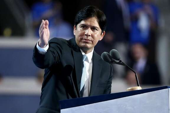 PHILADELPHIA, PA - JULY 25:  California State Senator Kevin de Leon delivers a speech on the first day of the Democratic National Convention at the Wells Fargo Center, July 25, 2016 in Philadelphia, Pennsylvania. An estimated 50,000 people are expected in Philadelphia, including hundreds of protesters and members of the media. The four-day Democratic National Convention kicked off July 25.  (Photo by Jessica Kourkounis/Getty Images)