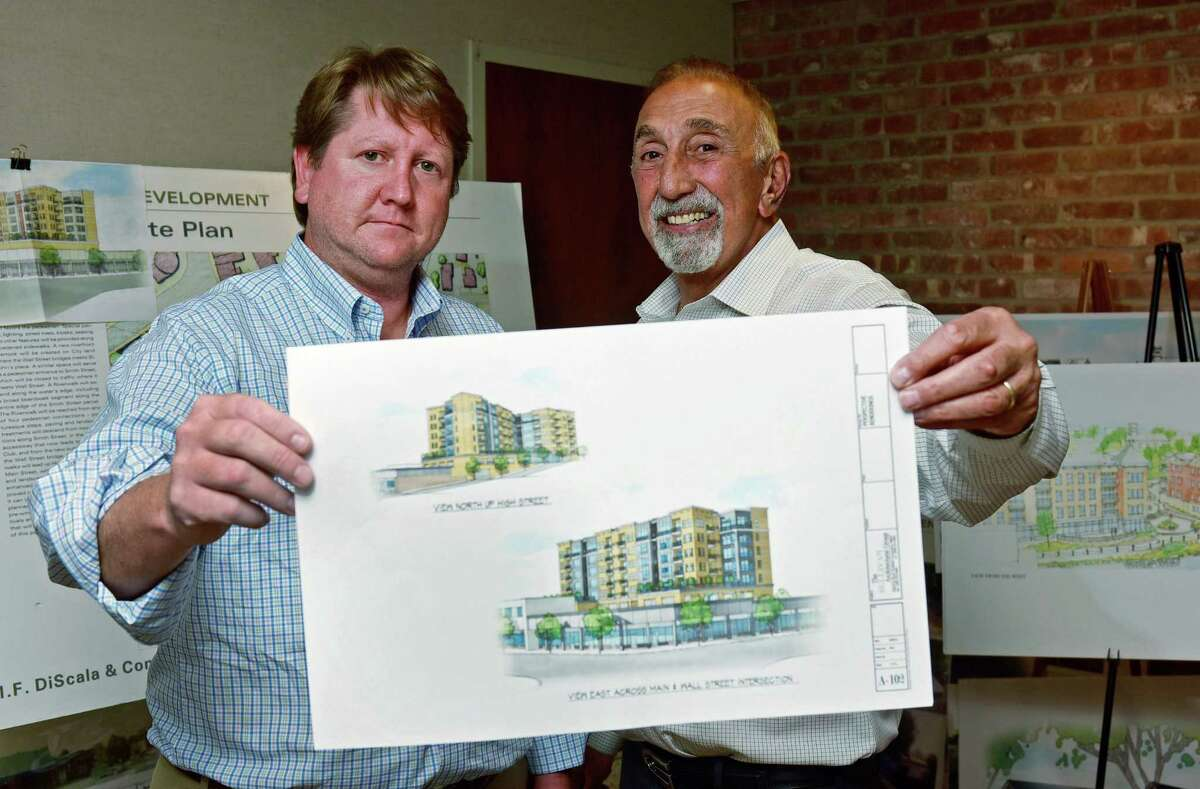 Jason Enters of EDG Properties and Michael DiScala of M.F. DiScala & Co. submit conceptual plan for Head of the Harbor North which calls for a new five-story, 80-unit building with 200 parking spaces along High Street on the site of a municipal parking and a two-story retail building along Main Street.