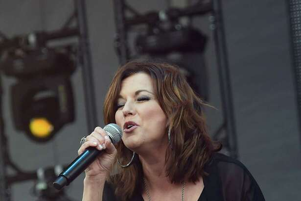 CHICAGO, IL - JUNE 18: Singer/Songwriter Martina McBride performs during 2016 Windy City LakeShake Country Music Festival - Day 2 at FirstMerit Bank Pavilion at Northerly Island on June 18, 2016 in Chicago, Illinois. (Photo by Rick Diamond/Getty Images)