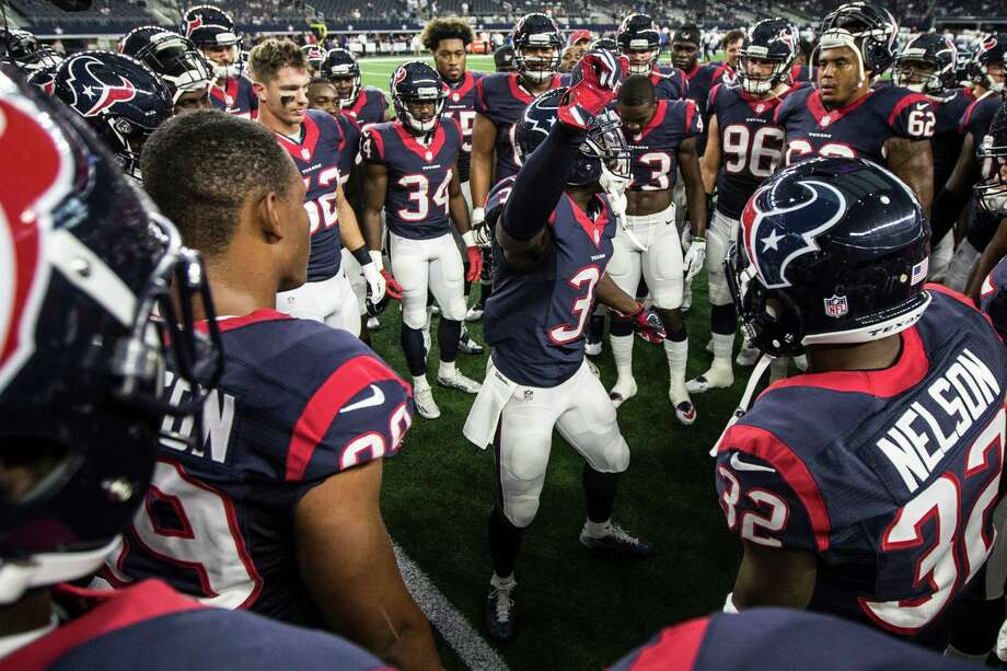 Houston Texans defensive back Charles James (31) gathers his teammate together before an NFL pre-season football game against the Dallas Cowboys at AT&T Stadium on Thursday, Sept. 1, 2016, in Arlington, Texas. Photo: Brett Coomer, Houston Chronicle / © 2016 Houston Chronicle