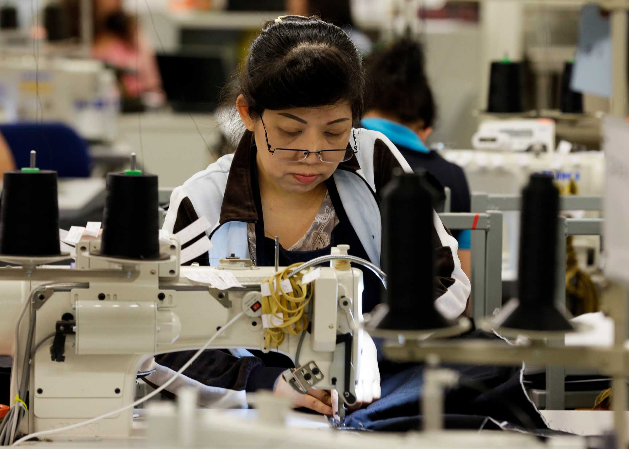 U.S. productivity down in spring, while labor costs rise - Houston Chronicle