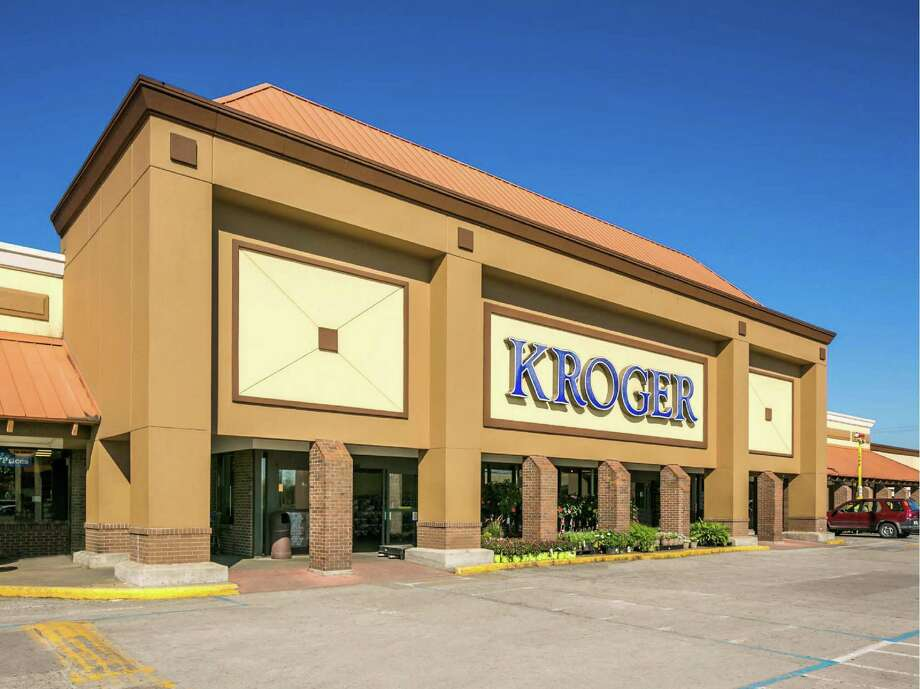 Weingarten Realty has sold the Glenbrook Square Shopping Center, a 73,440-square-foot center at Telephone Road and Bellfort anchored by Kroger. Photo: JLL