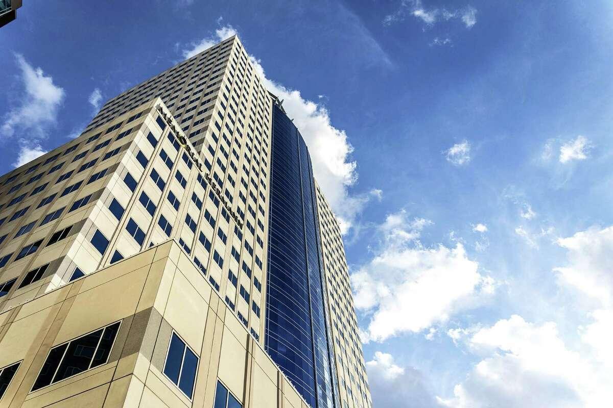 25. Memorial Hermann Tower Completed in 2009 | 500 (542 with crown) feet | 35 stories | 929 Gessner Road