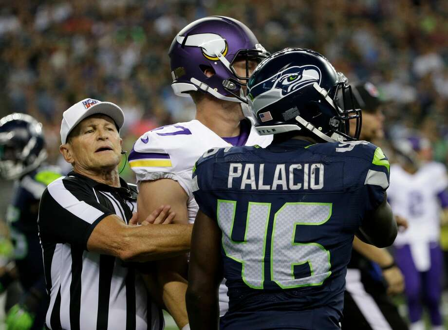 The Seahawks signed linebacker Kache Palacio on Monday after Palacio, a Washington State product, spent much of his rookie season on Seattle's practice squad. Photo: Elaine Thompson/AP