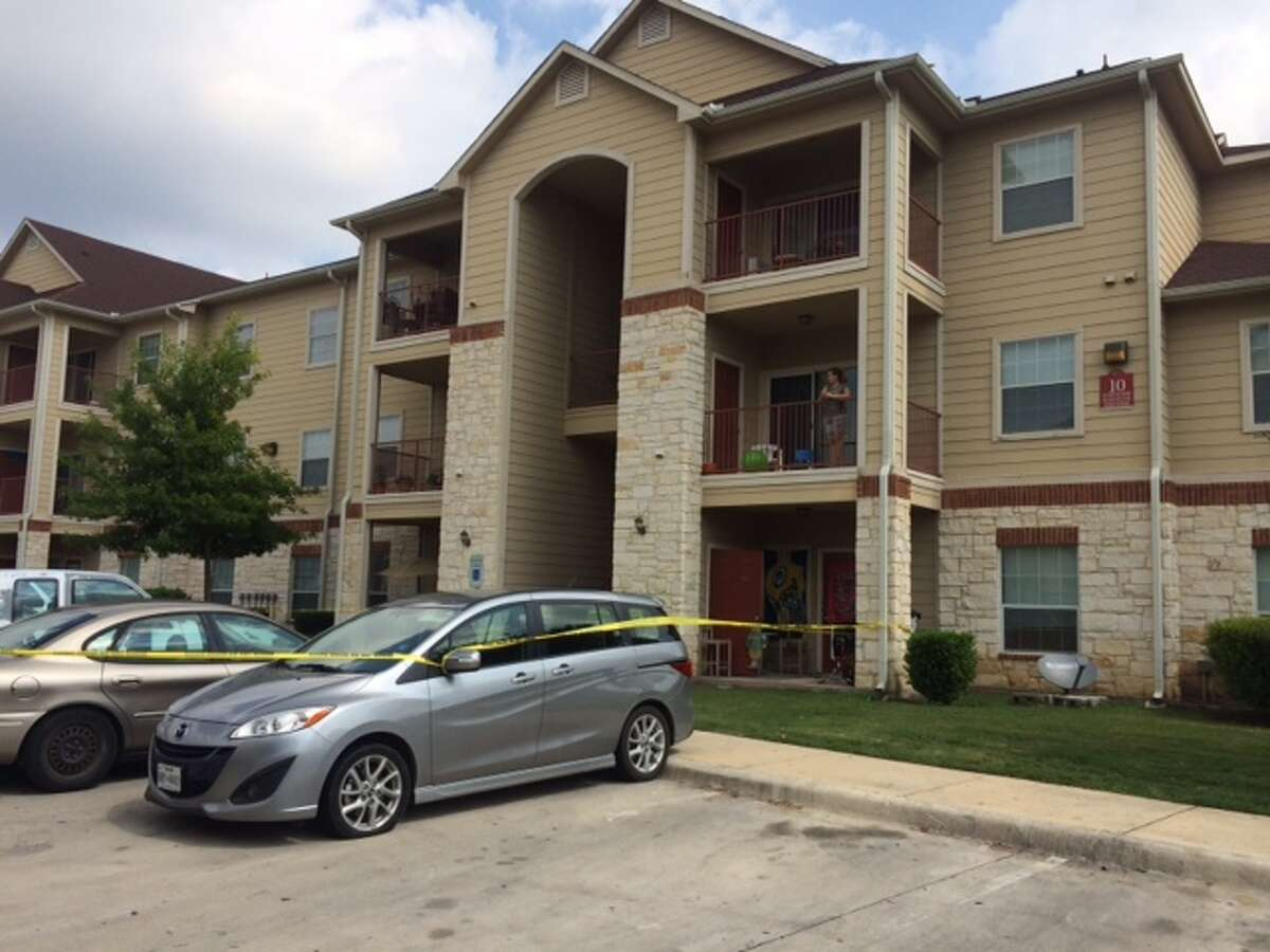 Police investigate the fatal stabbing of a 29-year-old mother of three at a North Side apartment Saturday morning.