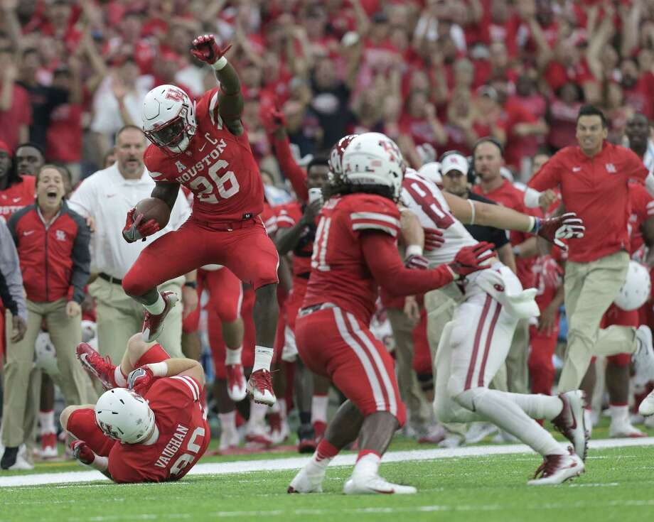 Lamar at No. 6 Houston, 11 a.m. Saturday (KIAH, Ch. 39)After their statement win over then-No. 3 Oklahoma last week, watch for two things this week: Whether the Cougars have any kind of emotional letdown and how much starting QB Greg Ward Jr. plays given his shoulder ailment.  Photo: Elizabeth Conley, Houston Chronicle / © 2016 Houston Chronicle