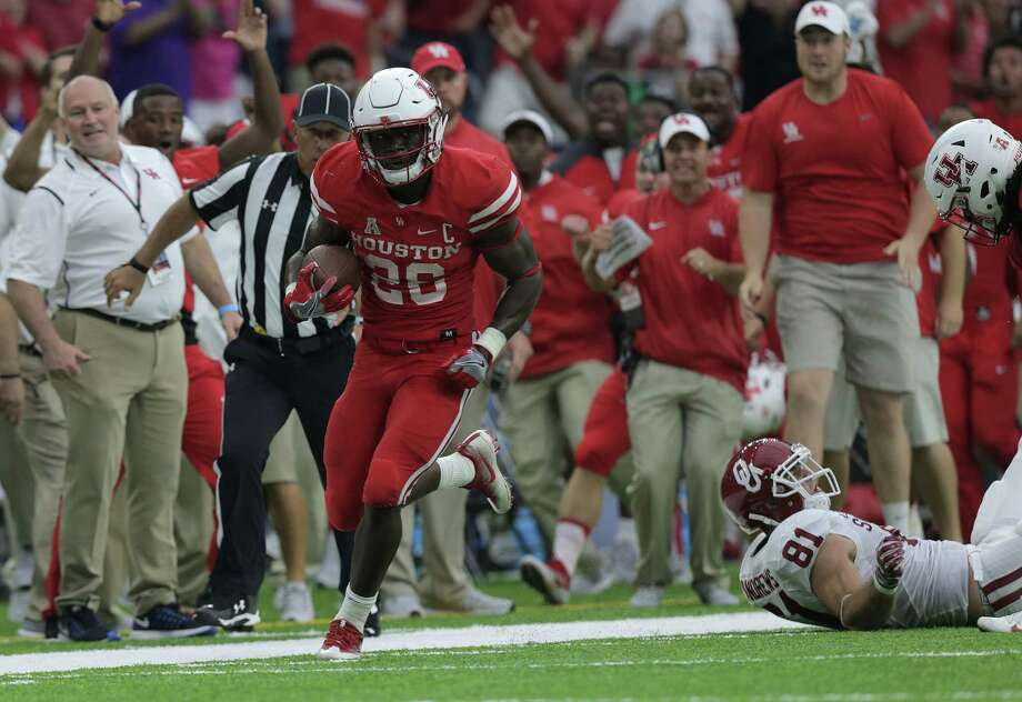 Houston Cougars cornerback/kick returner Brandon Wilson was limited at Wednesday's practice and is still questionable for Saturday's game against Navy. Photo: Elizabeth Conley, Houston Chronicle / © 2016 Houston Chronicle