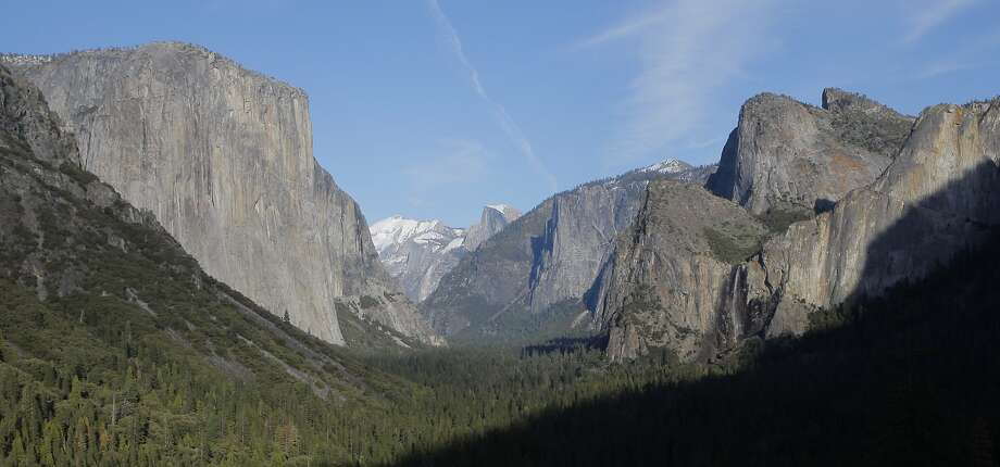 Classic lookout from Tunnel View on Highway 41 for Yosemite Valley, one of the most famous photo sites in America Photo: Tom Stienstra, The Chronicle