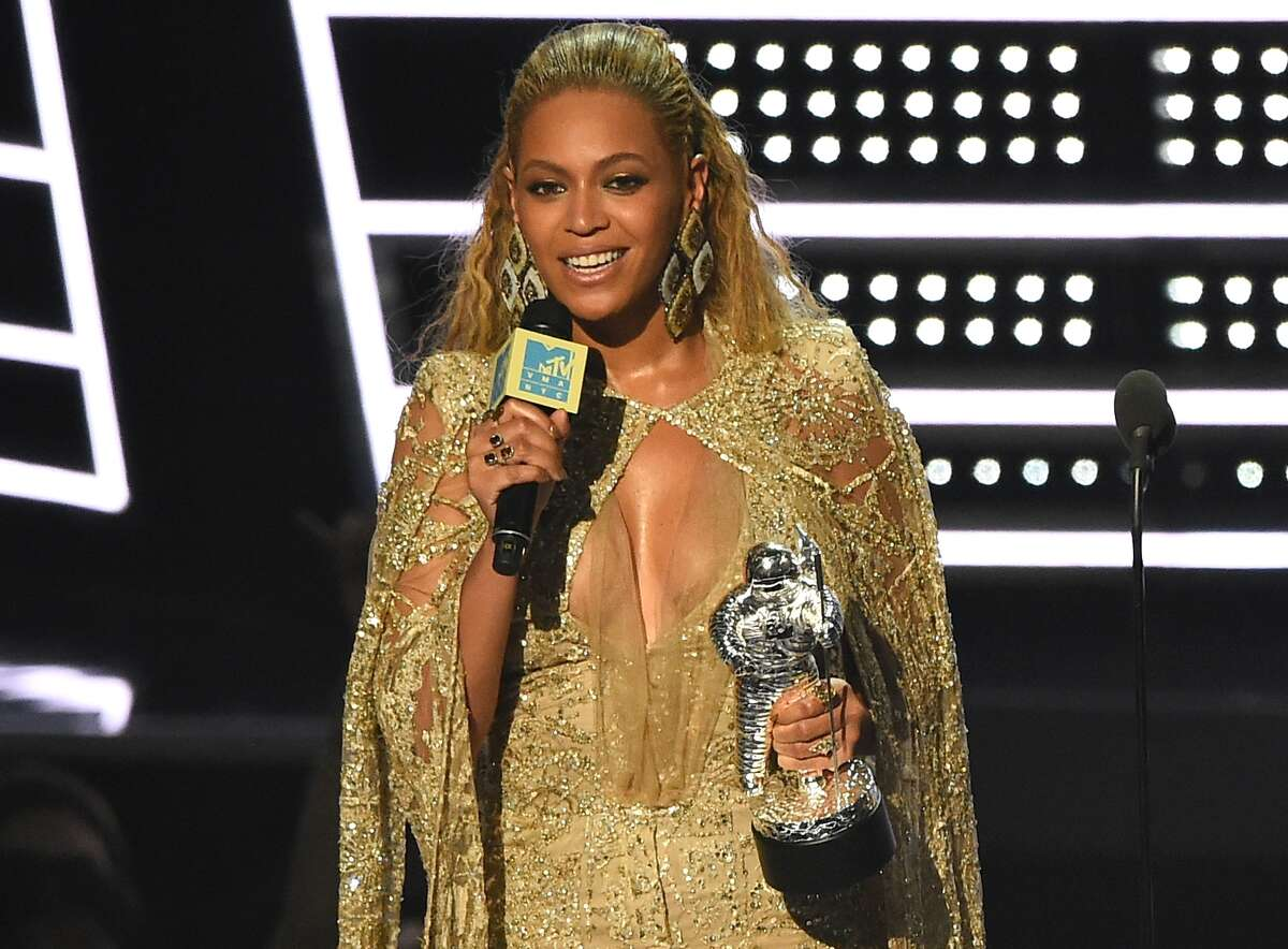 Beyonce accepts the award for best female video for ?