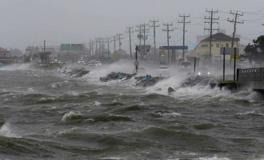 Tropical cyclone Hermine: beaches closed as storm lingers offshore