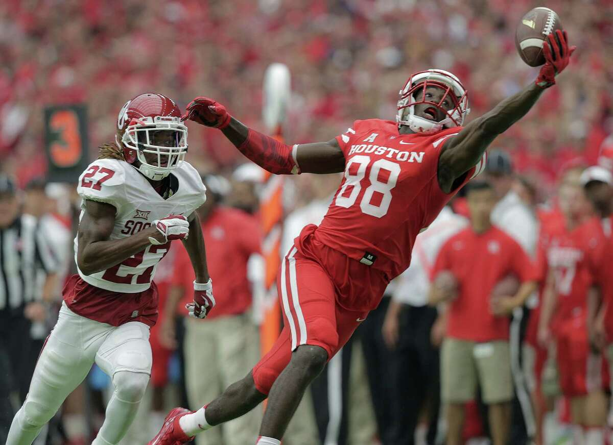 Wide receiver Steven Dunbar (88) led the way for UH with 125 yards receiving on seven catches.