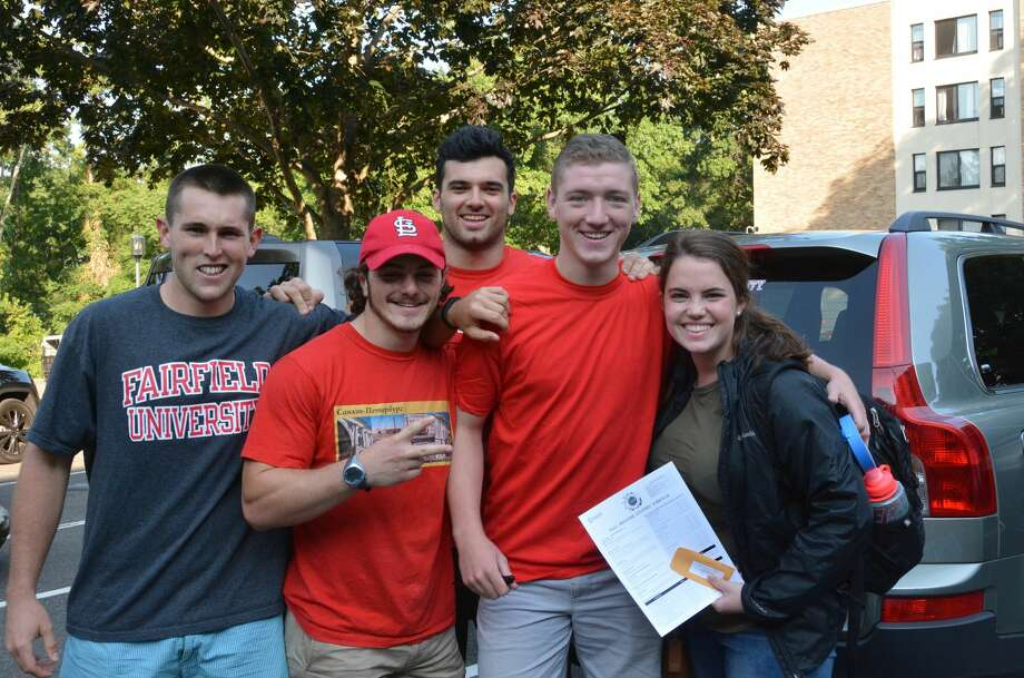 Fairfield University first-year students moved onto campus on September 4, 2016. In addition to moving into dorms, the students interacted with resident assistants, new student leaders, and community associates. Were you SEEN? Photo: Vic Eng / Hearst Connecticut Media Group