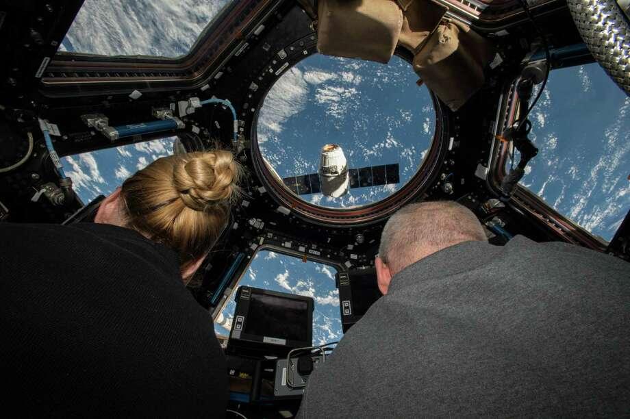 spacex astronaut salary - photo #1