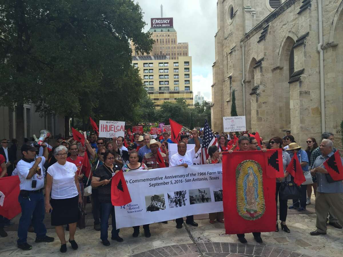 At around 11 a.m., hundreds of people gathered in front of the San Fernando Cathedral to march to Milam Park. The march commemorated the 50 years that have passed since the 1966 Starr County strike and march, which started in Rio Grande City and ended in Austin on Labor Day.