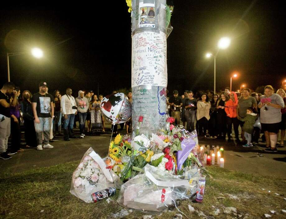The memorial at a candlelight vigil held at the exit 2 parking lot off I-84 for the victims of a car crash on Mill Plain Road in Danbury. Monday, Sept. 5, 2016 Photo: Scott Mullin / For Hearst Connecticut Media / The News-Times Freelance
