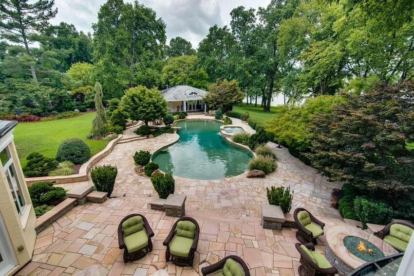 Reba McEntire has put her 83-acre equestrian estate near Nashville on the market for $7.9 million, according to Zillow Porchlight.