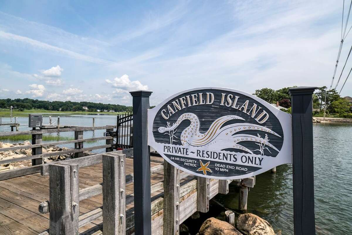 52 Shorehaven Rd, Norwalk, CT 06855 3 beds 3 baths 3,131 sqft Open House: 9/11 2p.m. - 4p.m. Features: Located on private Canfield Island, cathedral ceilings, separate office/artist studio, panoramic water views from every room View full listing on Zillow