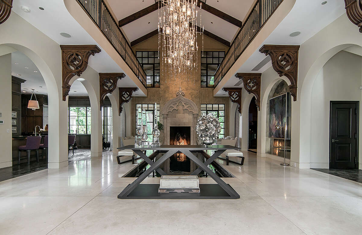 """The Dallas estate dubbed """"Casa Belle Vista,""""-also known as """"Casa Bellamini""""-has come into national reality TV stardom. A """"Real Housewives of Dallas"""" cast member was the winning bidder."""