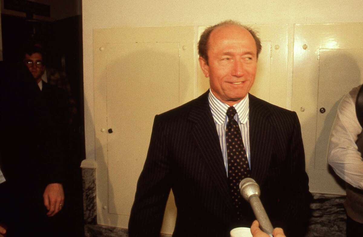 12/05/1985 - Texaco lead attorney Richard B. Miller speaks to news media outside the courtroom for the Texaco Pennzoil lawsuit damages hearing in 151st State District Court.