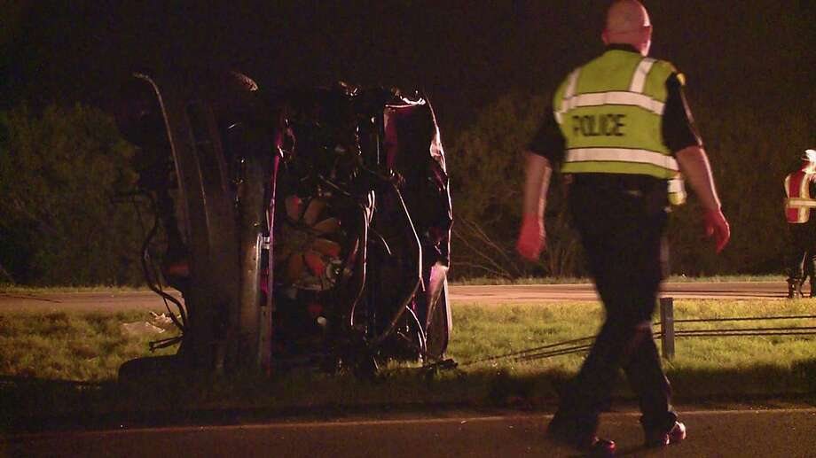 A woman and two children, ages six and eight, have died in a rollover crash in far southeast Bexar County, according to San Antonio police. Photo: Kens5.com / Kens5.com / Kens5.com