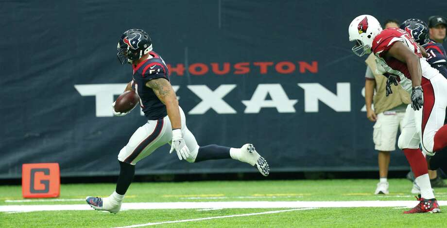 With linebacker John Simon scoring two touchdowns on takeaways, the Texans had a perfect preseason. But that means nothing as the opener approaches. Photo: Brett Coomer, Staff / © 2016 Houston Chronicle