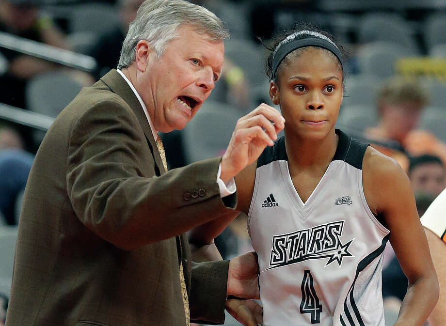 Coach Dan Hughes instructs his point guard Moriah Jefferson as the Stars host Indiana at the AT&T Center on Sept. 6, 2016. Photo: Tom Reel /San Antonio Express-News / 2016 SAN ANTONIO EXPRESS-NEWS