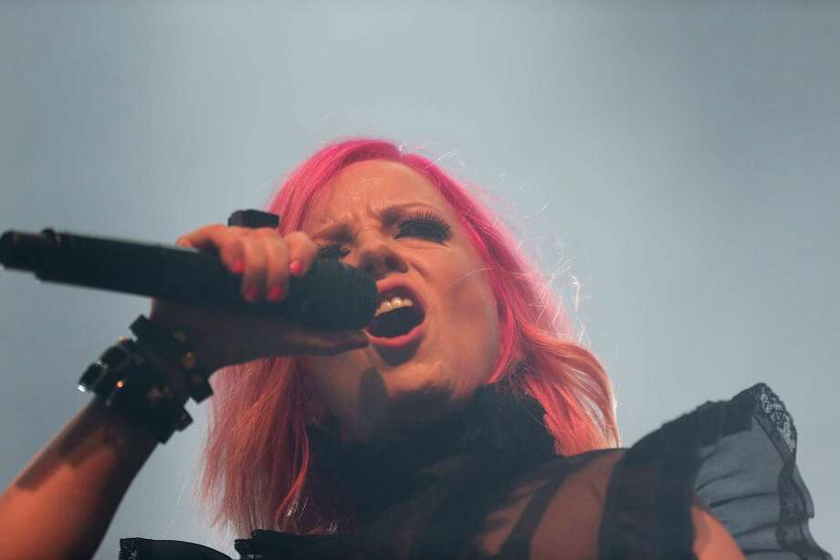 Shirley Manson of the band Garbage Photo: Elizabeth Conley, Staff / © 2015 Houston Chronicle