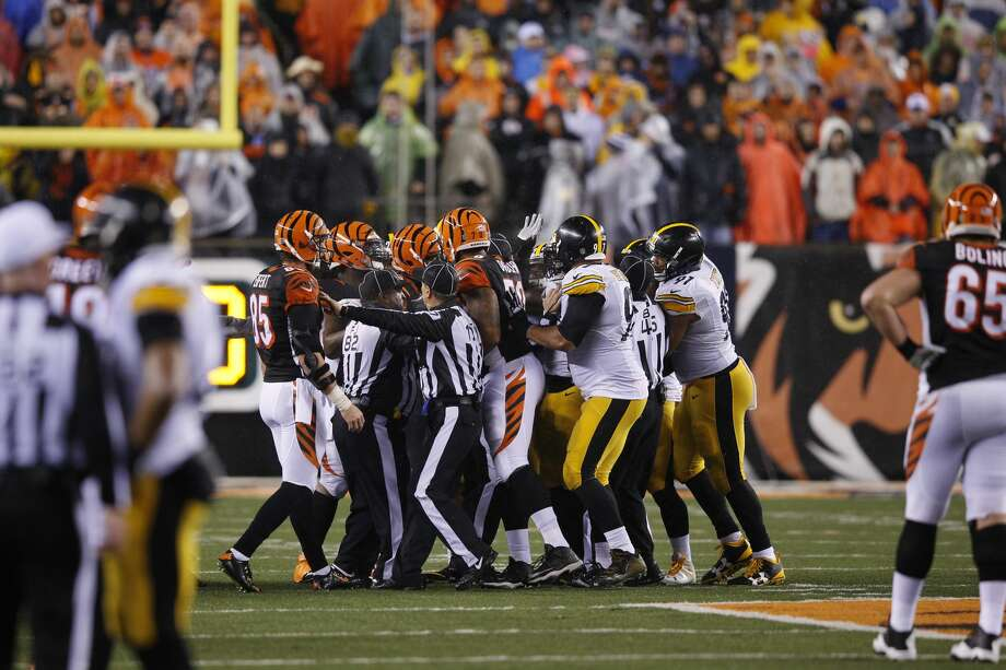 AFC North Cincinnati Bengals Pittsburgh Steelers Baltimore Ravens Cleveland BrownsNotes: The Bengals and Steelers, who met in an epic playoff game last January after splitting their season series, should slug it out for a division title again in 2016. A healthy Ravens team could make things interesting. Photo: Joe Robbins/Getty Images