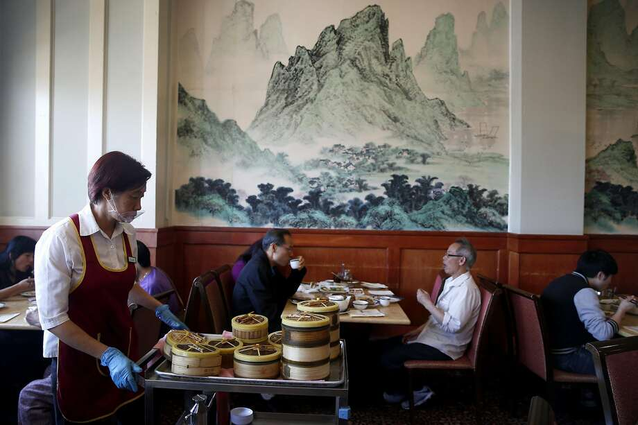 Chef's Wok restaurant on Webster Street in Alameda. Photo: Paul Chinn, The Chronicle